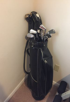 Golf clubs full set with woods and bag for Sale in Tampa, FL