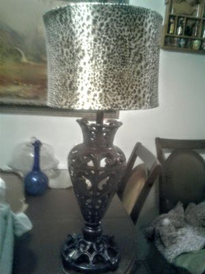 Beautiful heavy brass Lamp for Sale in Fort Worth, TX