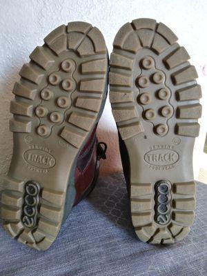 Ecco gore - tex genuine track men's hiking boots . size for Sale in Tacoma, WA