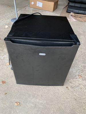Mini fridge for Sale in Naperville, IL