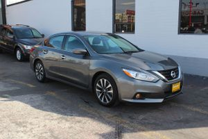 2017 Nissan Altima for Sale in Seattle, WA