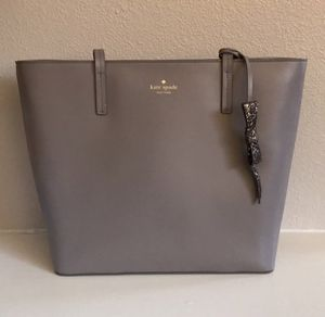 kate spade cityscape tote with glitter charm for Sale in Lindon, UT