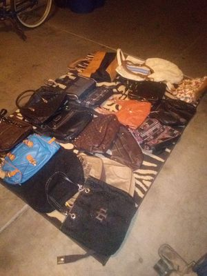 Burses and tote bags new condition for Sale in Avondale, AZ
