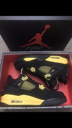 """Air Jordan 4 Retro """"Thunder"""" 2012 for Sale in Avondale, AZ"""