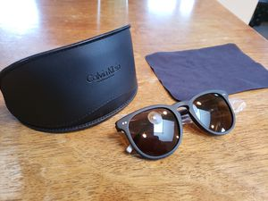 Calvin Klein Sunglasses for Sale in Gurnee, IL