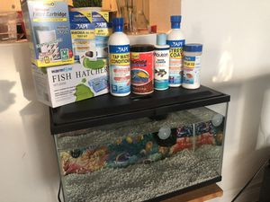 Fish tank 10 gallon for Sale in Fort Lauderdale, FL