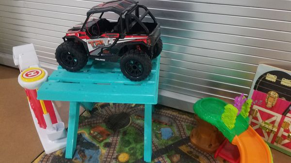 Small toy lot
