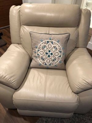 Fleat Torino Leather Glider Recliner for Sale in San Francisco, CA