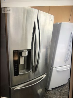 LG refrigerator stainless steel for Sale in West Palm Beach, FL