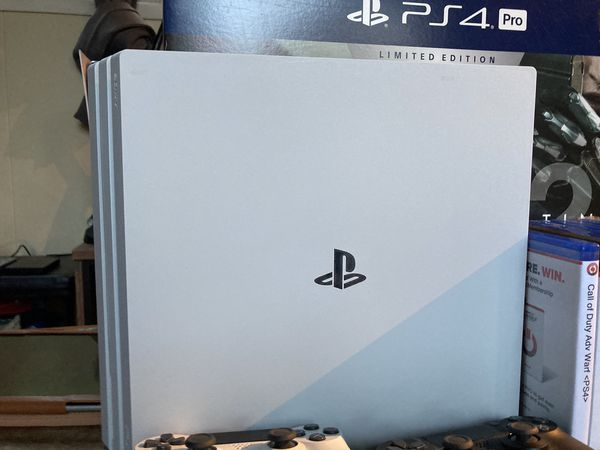 Playstation 4 Pro 1TB Limited Edition + Extras