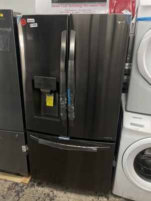 LG FRENCH DOOR FRIDGE for Sale in Los Angeles, CA