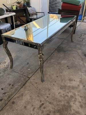 Z - Gallery table for Sale in Los Angeles, CA