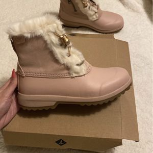 Maritime Repel Blush Colored Waterproof Boots for Sale in Oak Lawn, IL