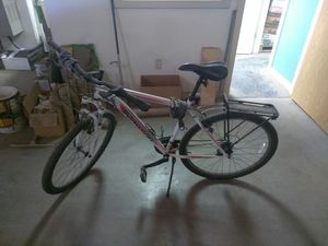 Schwinn brand mountain bike for Sale in Oregon City, OR