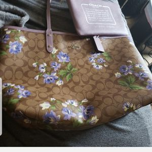 New coach purse with tags cost $378 asking $170 for Sale in Oakland, CA