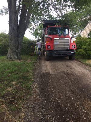 Paving hot asphalt 🚧🚧🚧🚧🚧🚧🚜🚜 for Sale in Richmond, VA