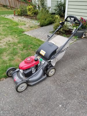 Honda variable speed 4 in 1 Gas walk behind lawn mower for Sale in Renton, WA