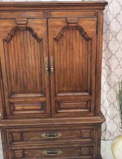 Thomasville Vintage Gentleman's Dresser Armoire for Sale in St. Petersburg,  FL