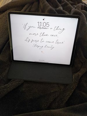 "Ipad pro 12.9"" gen 3 64 gb wifi + cellular for Sale in Chicago, IL"