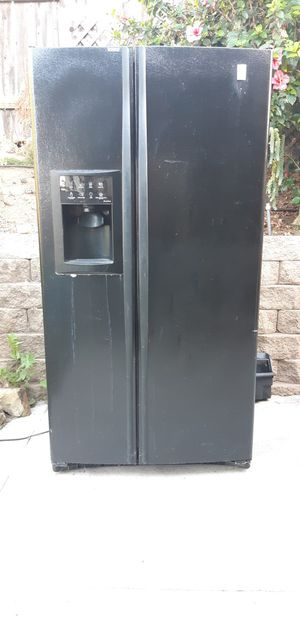 FREE Freezer for parts for Sale in Lemon Grove, CA