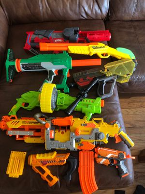 Various nerf guns. Buzz bee toys. Boom co. Xploders. Accessories for Sale in Chicago, IL