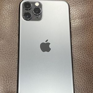 Apple iPhone 11 Pro 64GB for Sale in Queens, NY