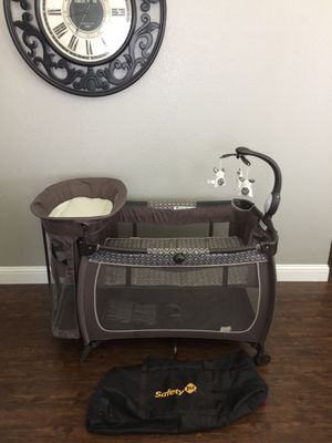 Safety 1st pack and play with diaper changer station for Sale in Grand Prairie, TX