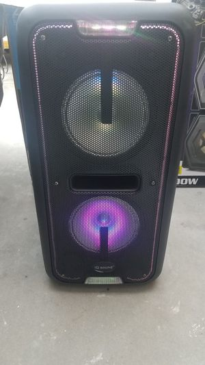 IQ sound 2x8 in rechargeable speaker for Sale in Norwalk, CA