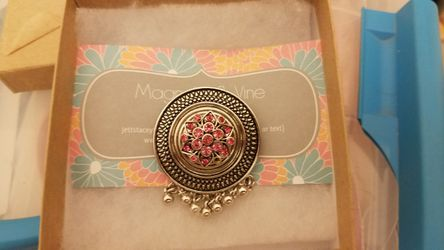 Magnolia and Vine Pin for Sale in Pflugerville,  TX