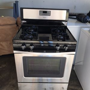 Whirlpool Gas Stove for Sale in Bakersfield, CA