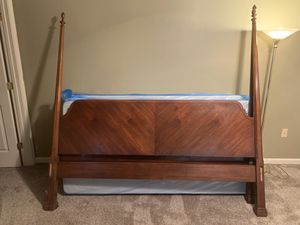 Chippendale 4 poster King bed frame and 2 nightstands by Drexel Heritage for Sale in Camp Hill, PA