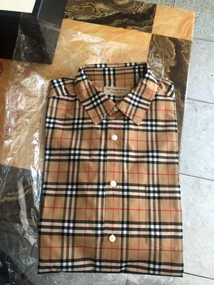 Burberry shirt for Sale in New York, NY