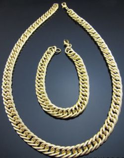 New Fashion Men's/ Women Gold-Plated Chain Link Necklace And Bracelet. $25 for Sale in Pensacola,  FL