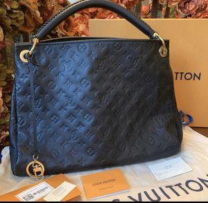 Louis Vuitton ARTSY MM Nior Monogram Empreinte Leather for Sale in Diamond Bar, CA