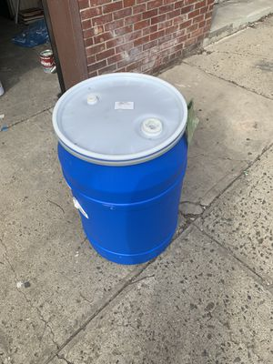 55 gallon drum with lid for Sale in New York, NY
