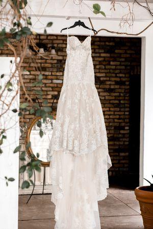 Wedding dress Maggie soterro essence of Australia for Sale in Bradenton, FL