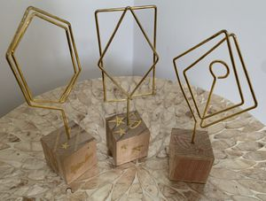 LOT Small Wooden Gold Picture Holders Desktop for Kid Teen Adult for Sale in Brooklyn, NY