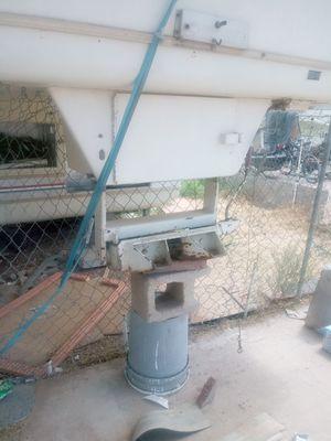 Fifth wheel trailer hitch for Sale in Tucson, AZ