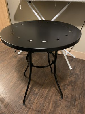 Metal table black for Sale in Spanaway, WA