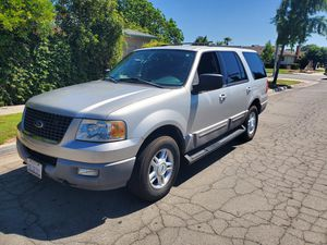 2003 ford expedition xlt, clean title 4x4 for Sale in Fresno, CA