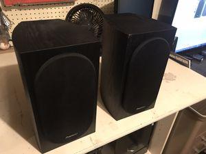 Pioneer spbs22 bookshelf speakers for Sale in Pismo Beach, CA