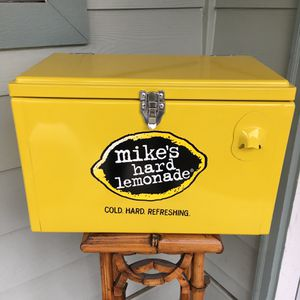 Mike's Hard Lemonade Cooler for Sale in Everett, WA