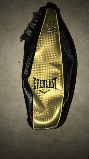 EVERLAST BOXING SET for Sale in New Milford, CT