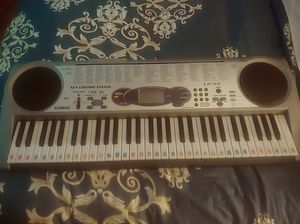 Keyboard casio for Sale in University City, MO