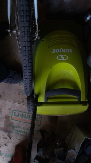 Sun Joe electric lawn mower works great $20 for Sale in Cleveland, OH