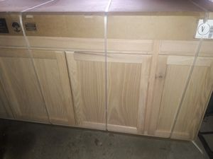Kitchen sink cabinet for Sale in Bratenahl, OH