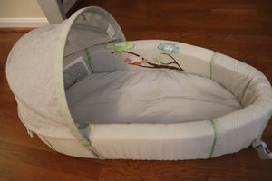 Lulyboo Owl Bassinet to-go Premium Travel Bed for Sale in Reston, VA