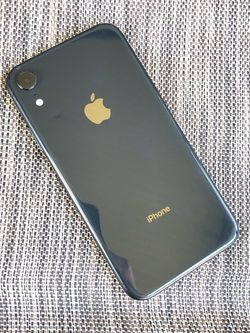 iPhone XR 64gb Space Gray for AT&T, Cricket, Net10 or H20 / 100% Battery Health / Apple Warranty for Sale in Miami,  FL