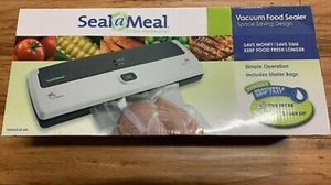 FoodSaver Seal A Meal Vacuum Food Sealer no bas included- NEW for Sale in Windsor Hills, CA