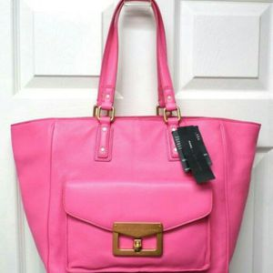 Marc by marc jacobs 100% iralian leather large shoulder bag. New for Sale in Fairfax, VA